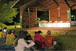 長野県駒ヶ根市の家族旅行村での演奏